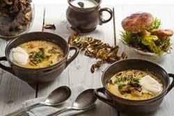 Готовое блюдо с сушеными грибами