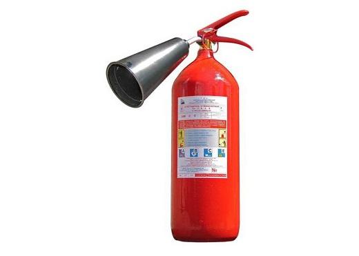 На фото представлен огнетушитель углекислотный ОУ-5